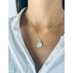 Necklace medal round silver engraved woman 15 mm