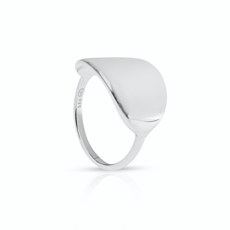 Oval silver ring personalized woman