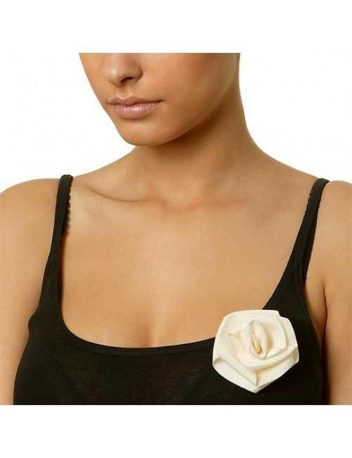 Broche tissus fleur rose femme