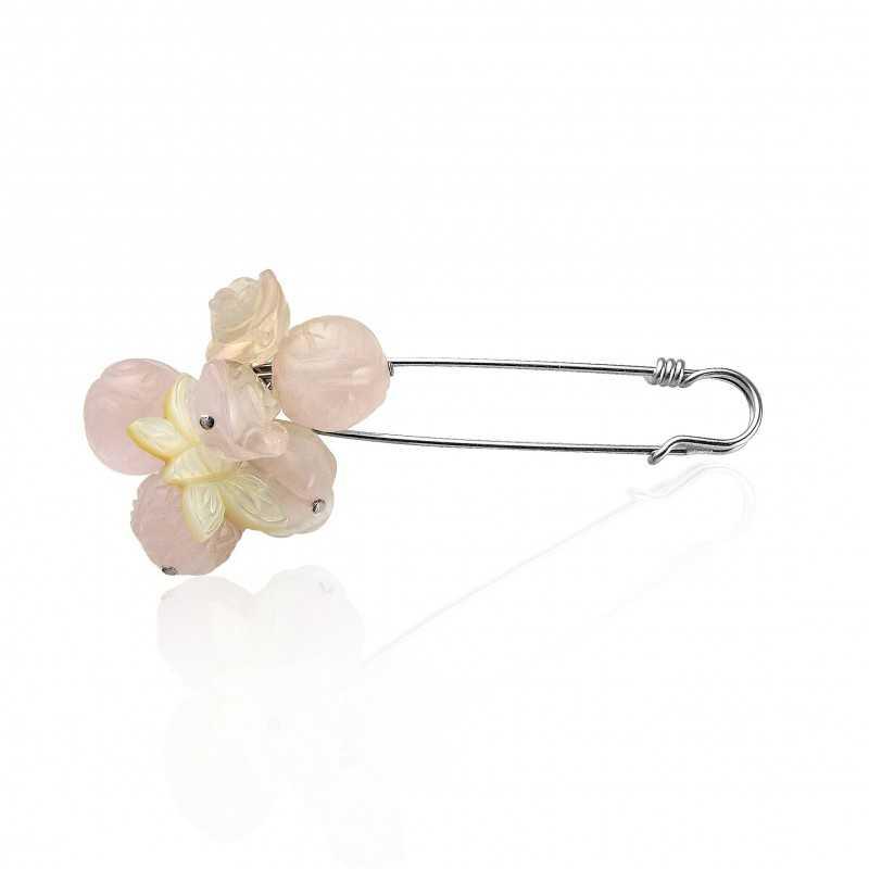 De speld van de vrouwenspeld roze bloemmom-van-parelvlinder