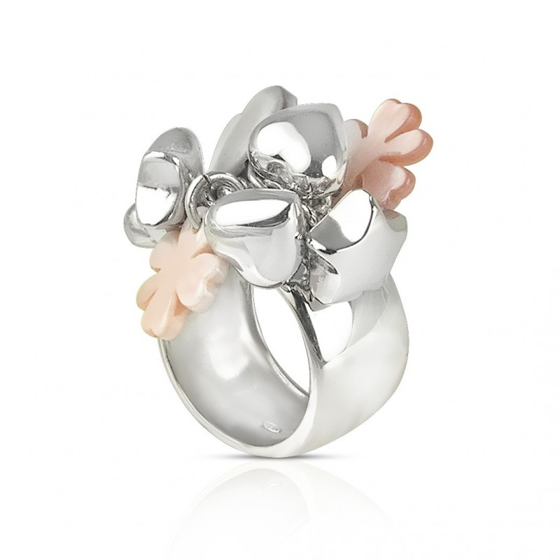 Silver ring charm clover of mother-of-pearl